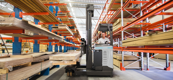 Multi-directoinal reach truck UFW
